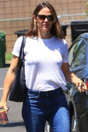 Jennifer Garner Out and About in Brentwood 2018/07/03 16