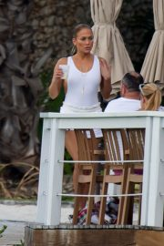 Jennifer Lopez enjoying Boating with Her Family Out in Nassau 2018/07/27 3