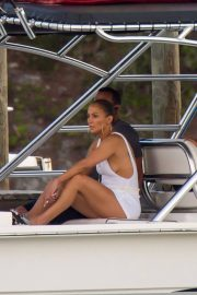 Jennifer Lopez enjoying Boating with Her Family Out in Nassau 2018/07/27 7