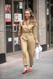 Jessica Alba Leaves Staples Store on 5th Avenue in New York 2018/07/24 11