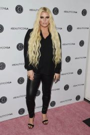 Jessica Simpson at Los Angeles Beautycon Festival 2018/07/14 15
