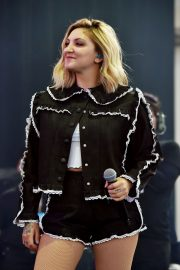 Julia Michaels at Amazon Music Unboxing Prime Day in Brooklyn 2018/07/11 3