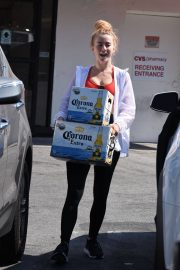 Julianne Hough Buying a Boxes of Beer in Studio City 2018/07/04 10