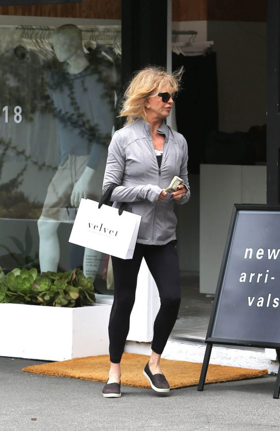 Kate Hudson And Goldie Hawn  Out Shopping in Brentwood 2018/05/20 1