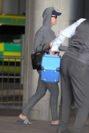 Katy Perry at Heathrow Airport in London 2018/07/12 6