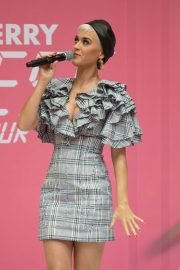 Katy Perry at Myer In Store in Adelaide 2018/07/29 1
