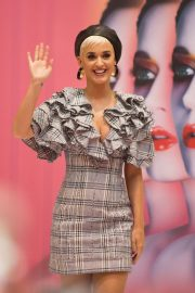 Katy Perry at Myer In Store in Adelaide 2018/07/29 8