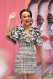 Katy Perry at Myer In Store in Adelaide 2018/07/29 9