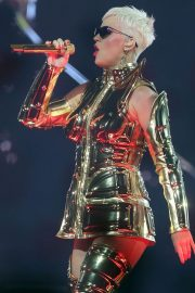Katy Perry Performs at Perth Arena in Perth 2018/07/24 2