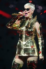 Katy Perry Performs at Perth Arena in Perth 2018/07/24 22