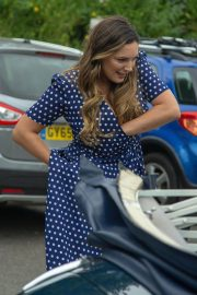 Kelly Brook on the Set of Antiques Roadshow in Battle in East Sussex 2018/07/22 3