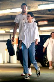 Kendall Jenner and Ben Simmons Shopping at Barney's New York in Beverly Hills 2018/06/12 2