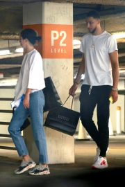 Kendall Jenner and Ben Simmons Shopping at Barney's New York in Beverly Hills 2018/06/12 5