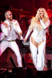 Kesha Performs at Ruoff Home Mortgage Music Center in Noblesville 2018/07/19 2