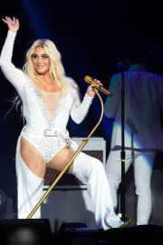 Kesha Performs at Ruoff Home Mortgage Music Center in Noblesville 2018/07/19 5