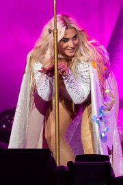Kesha Performs at Ruoff Home Mortgage Music Center in Noblesville 2018/07/19 11