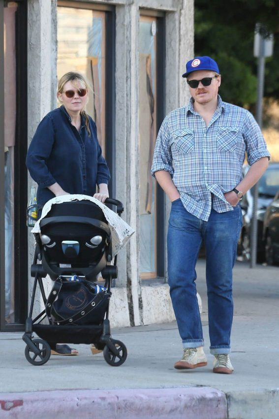 Kirsten Dunst and Jesse Plemons Out with Newborn Baby Ennis in Los Angeles 2018/06/22 1