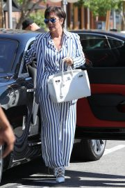 Kris Jenner Out and About in Calabasas 2018/07/20 2