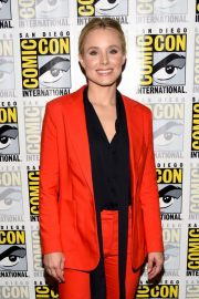 Kristen Bell at The Good Place Press Line at Comic-con in San Diego 2018/07/21 4