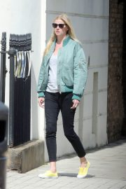 Lara Stone Out in London 2018/05/13 7