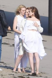 Lea Thompson and Zoey and Madelyn Deutch on the Set of a Photoshoot in Maibu 2018/05/21 1