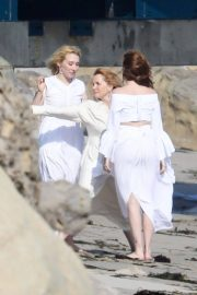 Lea Thompson and Zoey and Madelyn Deutch on the Set of a Photoshoot in Maibu 2018/05/21 3