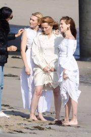 Lea Thompson and Zoey and Madelyn Deutch on the Set of a Photoshoot in Maibu 2018/05/21 4