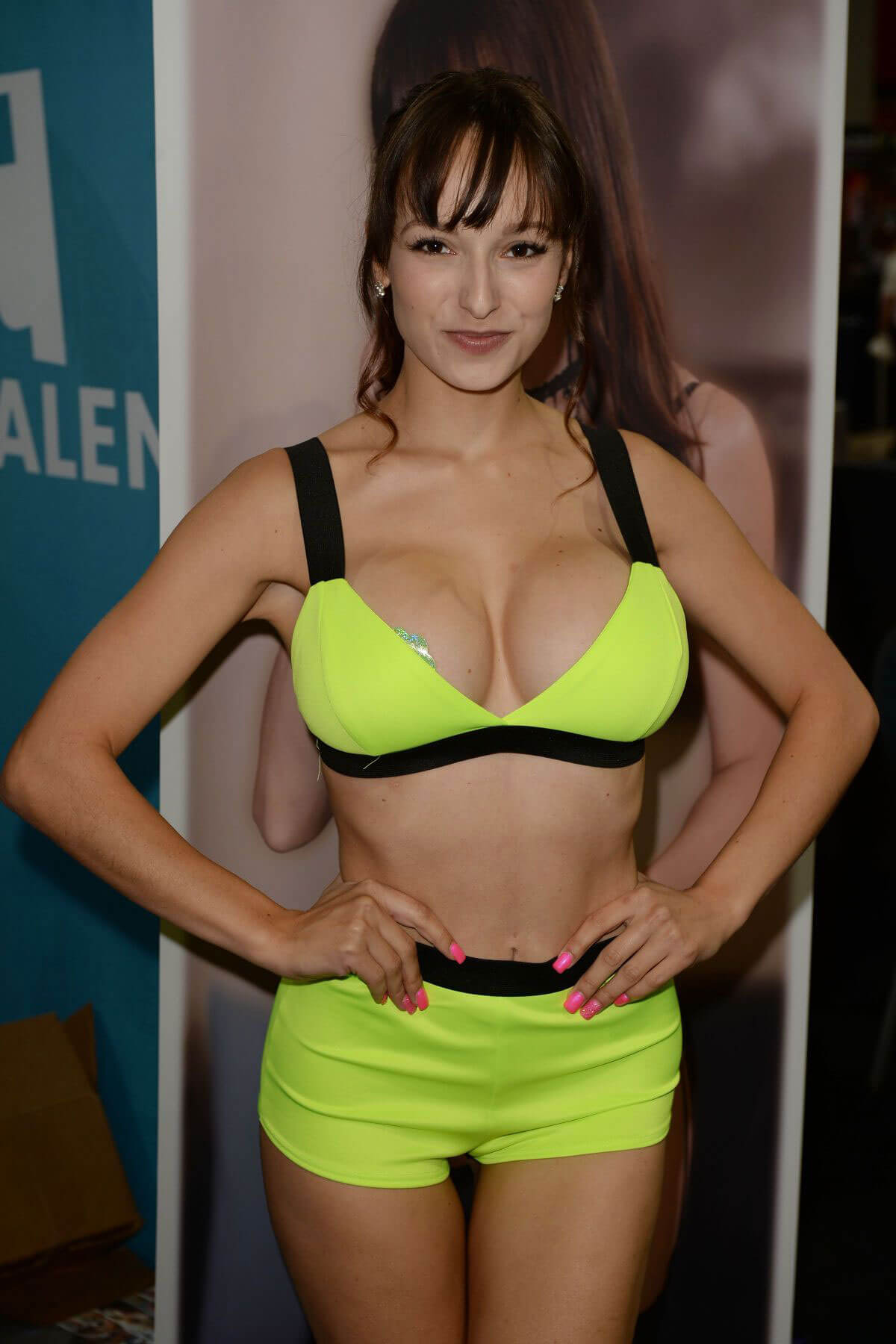 Lexi Luna at Exxxotica Expo 2018 in Miami 2018/07/21 1