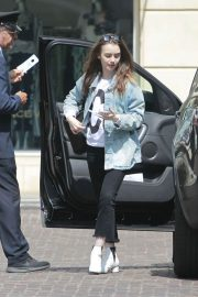 Lily Collins Arrives at Peninsula Hotel in Beverly Hills 2018/05/22 2