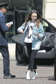 Lily Collins Arrives at Peninsula Hotel in Beverly Hills 2018/05/22 5