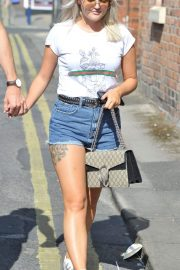 Lucy Fallon Out and About in Lancashire 2018/07/27 3
