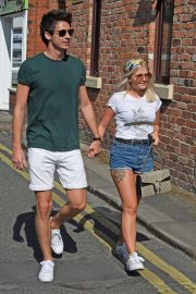 Lucy Fallon Out and About in Lancashire 2018/07/27 7
