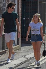Lucy Fallon Out and About in Lancashire 2018/07/27 13