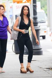 Lucy Liu Out and About in New York 2018/06/22 1