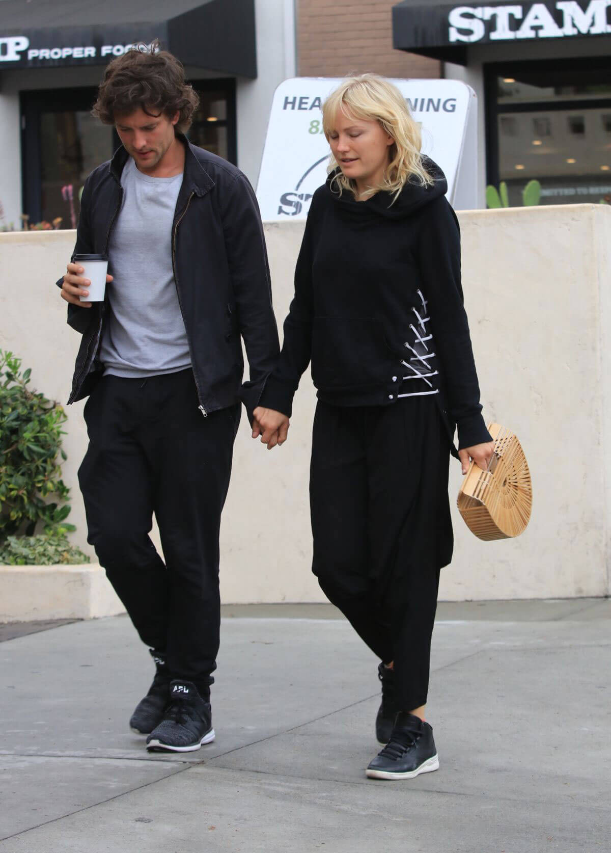 Malin Akerman and Jack Donnelly Out for Coffee in Hollywood 2018/05/30 1