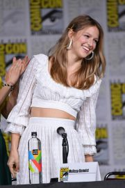 Melissa Benoist at Supergirl Panel at Comic-con in San Diego 2018/07/21 7