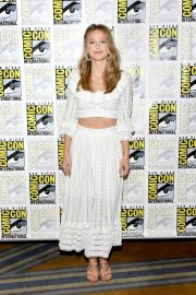 Melissa Benoist at Supergirl Press Line at Comic-con in San Diego 2018/07/21 1