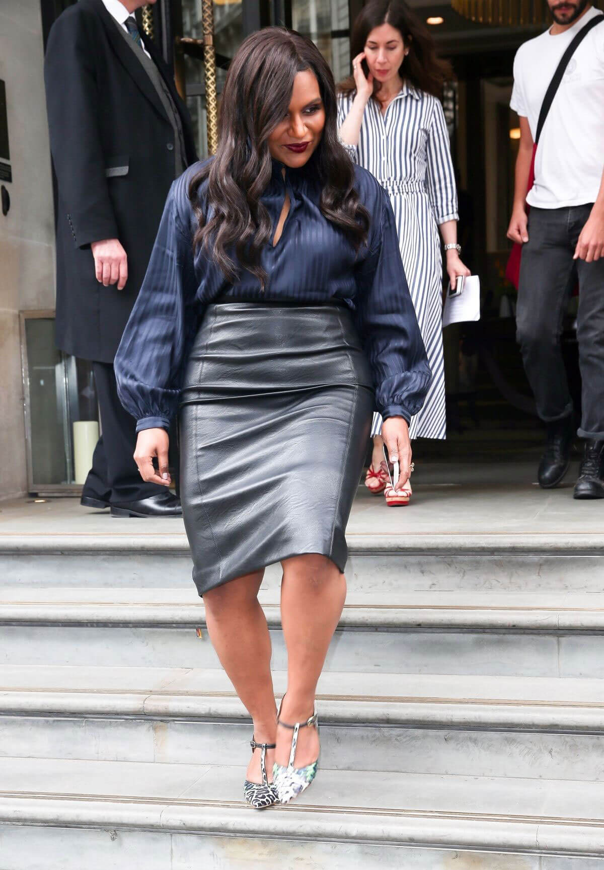 Mindy Kaling Out and About in London 2018/06/13 1