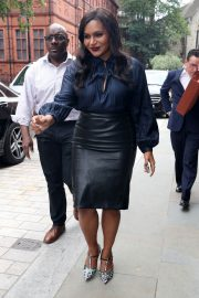 Mindy Kaling Out and About in London 2018/06/13 5