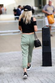 Mollie King Arrives at BBC Radio One in London 2018/07/13 5