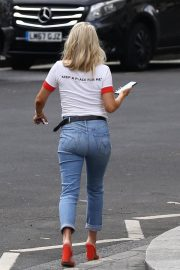 Mollie King in Jeans Out in London 2018/07/15 5