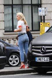 Mollie King in Jeans Out in London 2018/07/15 6