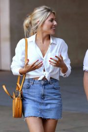 Mollie King in Jeans Out in London 2018/07/15 11