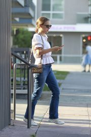 Natalie Portman Out for Lunch at Cafe Gratitude in Los Angeles 2018/07/28 1