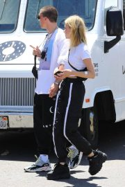 Nicola Peltz Out and About in Los Angeles 2018/07/22 5
