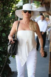 Nicollette Sheridan Out for Lunch at Il Pastaio in Beverly Hills 2018/06/27 2