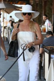 Nicollette Sheridan Out for Lunch at Il Pastaio in Beverly Hills 2018/06/27 8