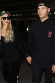 Paris Hilton and Chris Zylka at LAX Airport in Los Angeles 2018/07/27 6