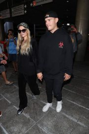 Paris Hilton and Chris Zylka at LAX Airport in Los Angeles 2018/07/27 7