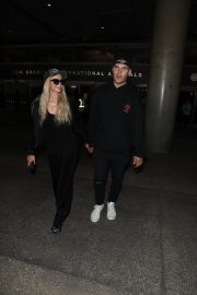 Paris Hilton and Chris Zylka at LAX Airport in Los Angeles 2018/07/27 9